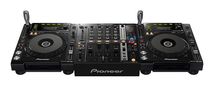 Pioneer 2 x CDJ-850 + DJM-750 + Flightcase